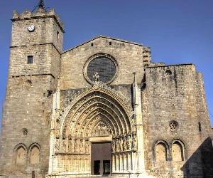 https://www.moventis.es/sites/moventis/files/article/2019/02/castello-basilica-santa-maria.jpg