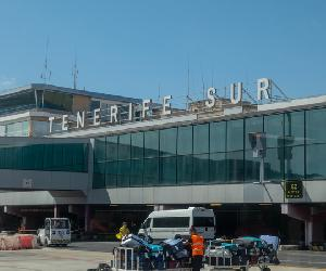 https://www.tenerife-south-airport.com/images/aeropuerto-tenerife-sur-tfs.jpg