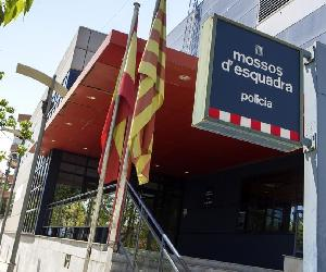 https://estaticos.elperiodico.com/resources/jpg/8/7/zentauroepp30480937-comisaria-mossos171029140650-1509282575278.jpg