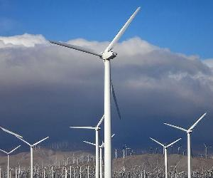 https://i2.wp.com/velatianetworks.com/wp-content/uploads/2019/08/Wind_turbines_in_southern_California_2016.jpg?resize=800,500&ssl=1