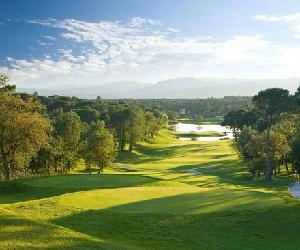 https://media-cdn.tripadvisor.com/media/photo-s/03/bd/6c/a2/pga-catalunya-resort.jpg