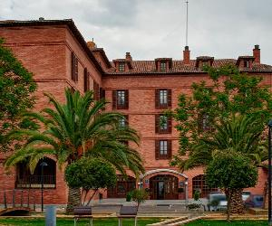 https://mobi.parador.es/sites/default/files/styles/1280x522/public/paradores/slide/2017/07/slide2.jpg?itok=d4sz3Umy